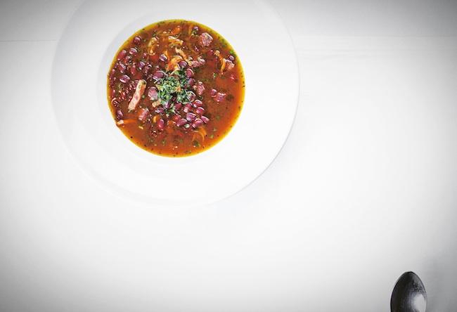 Охотничий суп с копченостями и пестрой фасолью copy