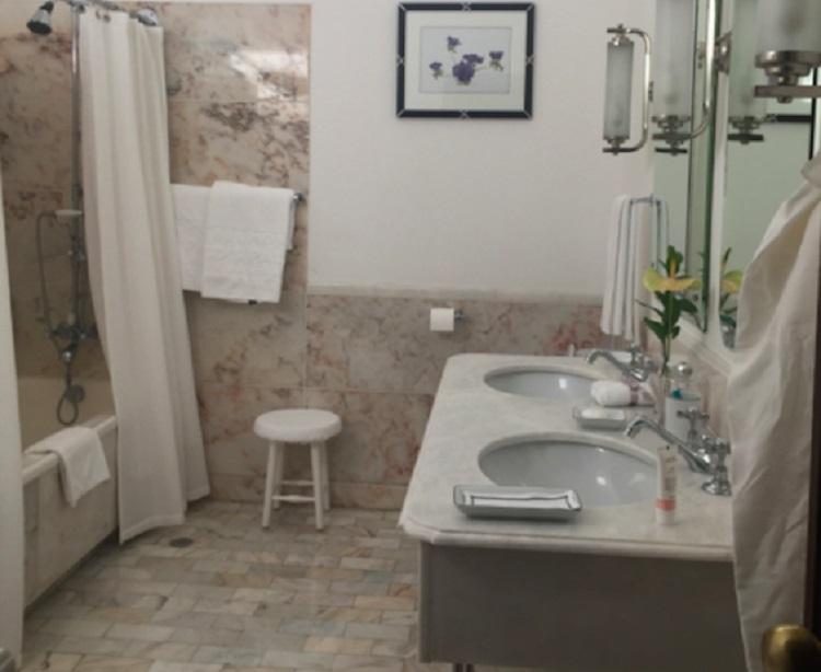 Ванная комната в номере Belmond Reid's Palace на Мадейре
