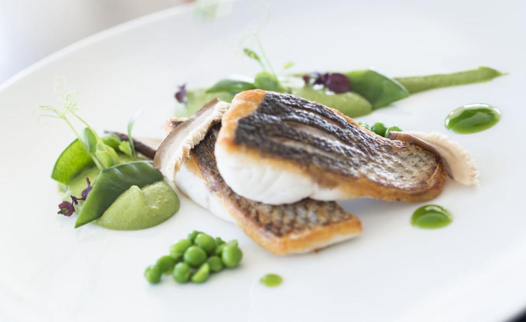 83096827-H1-AVIC_Emo_Restaurant_Food_02_G_A_H