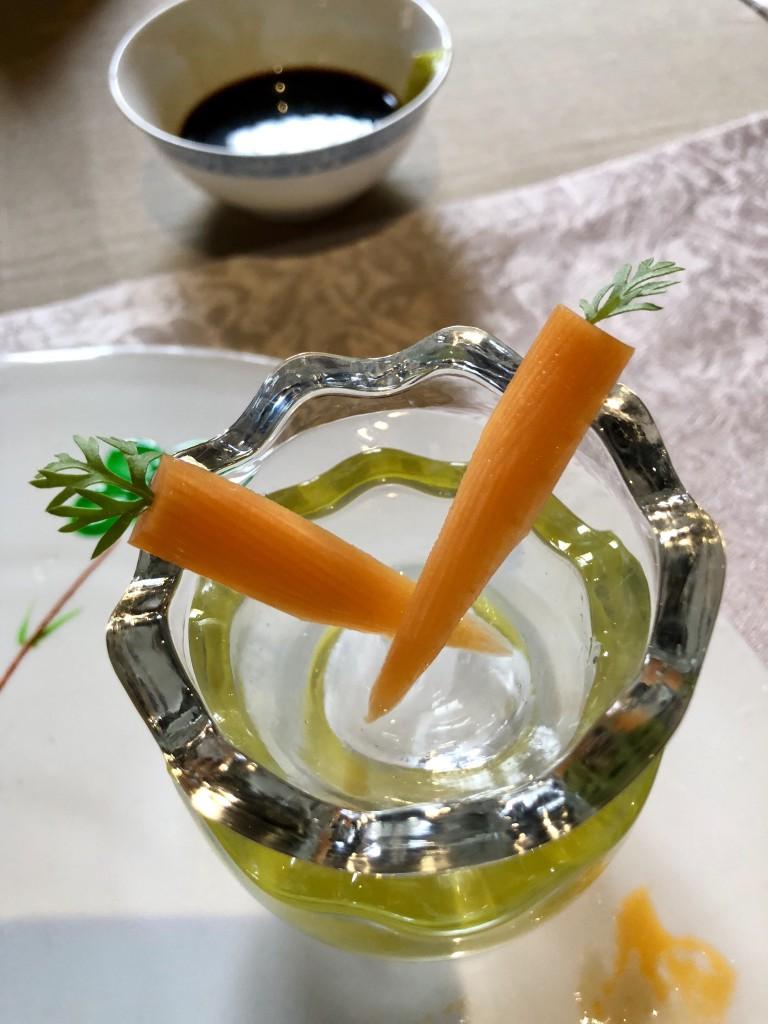 Морковка с петрушкой вместо хвостика