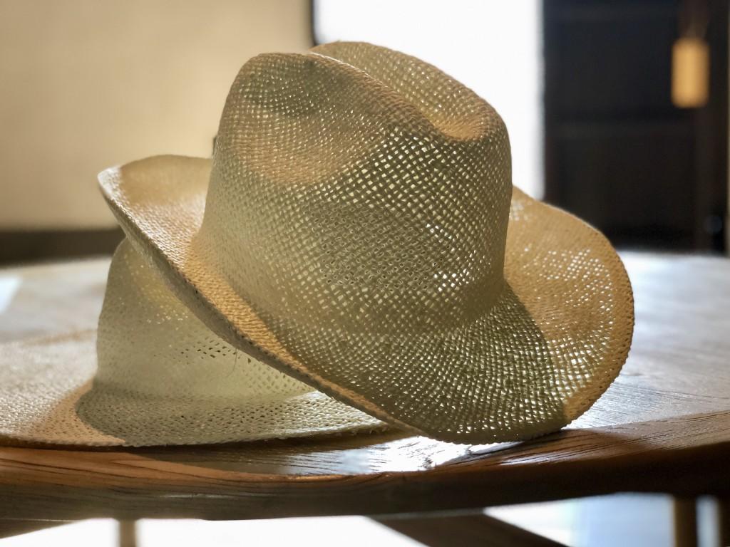 Шляпы от отеля – в подарок