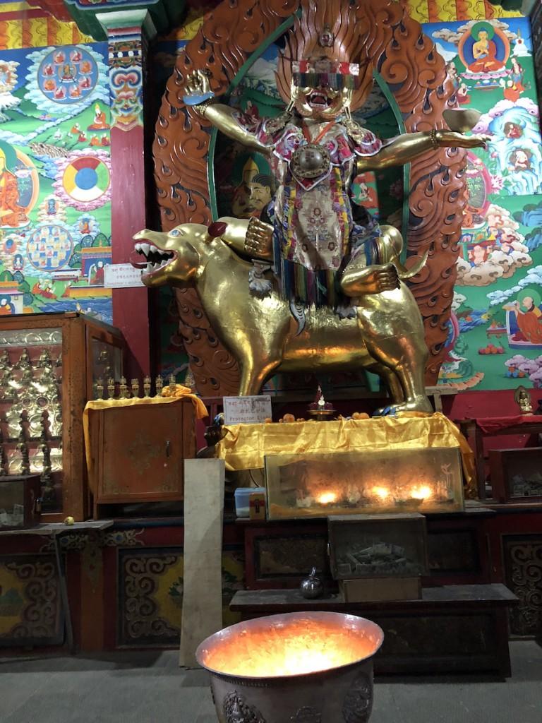 В левом приделе монастыря
