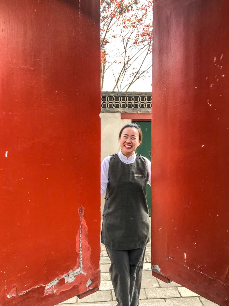 Тайная дверь из отеля в  Сад императрицы Цыси