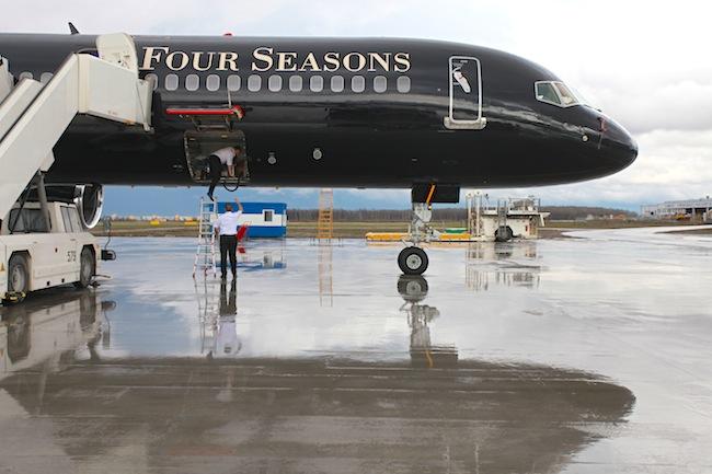 Воздушный отель: Four Seasons super jet