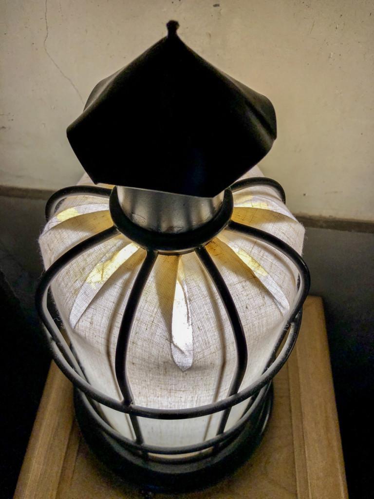 Лампа в ванной