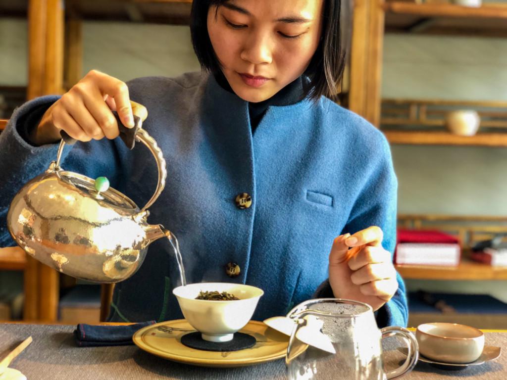 Заваривание чай происходит не в чайнике