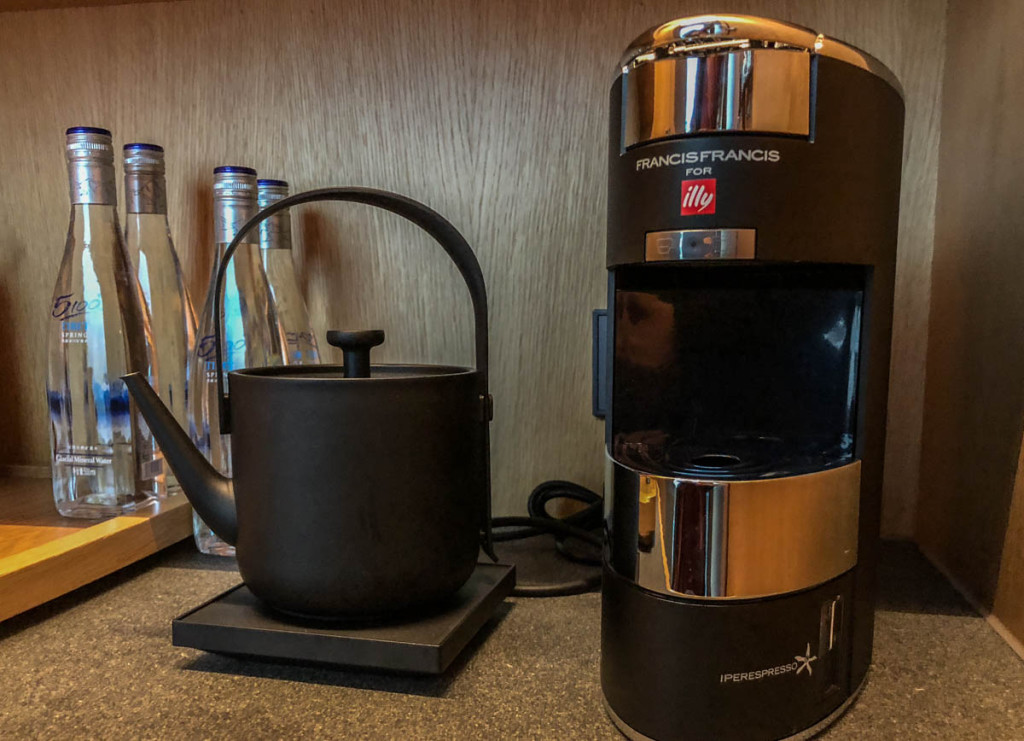 Чайник и кофеварка