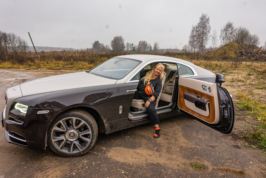 Rolls-Royce Wraith и пламенный мотор
